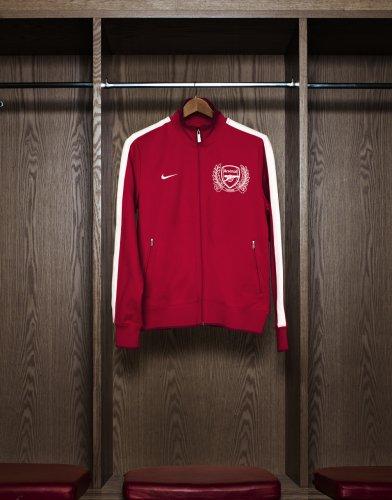 Домашняя форма Арсенала 2011/2012 (фото)