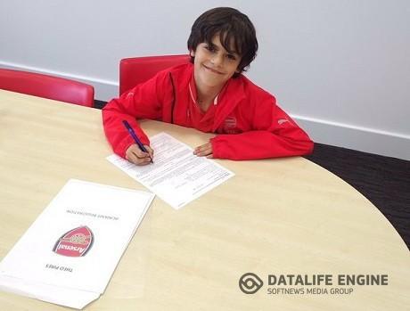 «Арсенал» подписал контракт с 7-летним сыном Пиреса