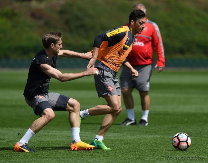 Тренировка перед матчем против Челси