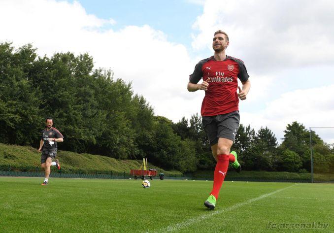 Тренировка Арсенала перед новым сезоном. Фото
