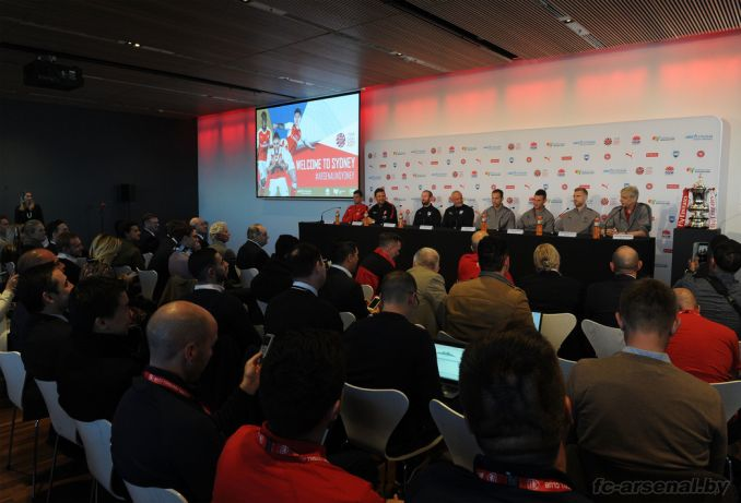 Пресс-конференция в Сиднее. Фото