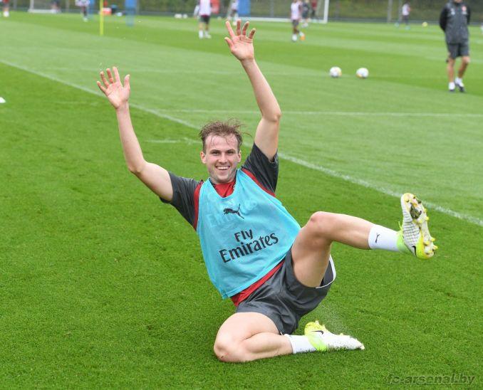 Тренировка Арсенала в Колни. Фото