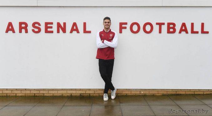 Официально: Мавропанос стал игроком Арсенала
