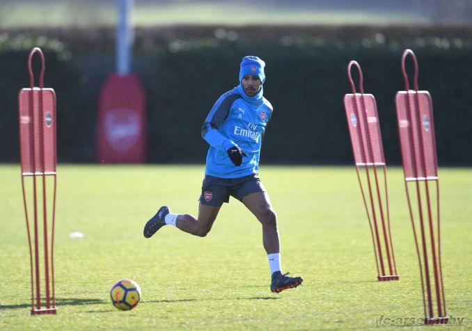 Первая тренировка Обамеянга в Арсенале. Фото