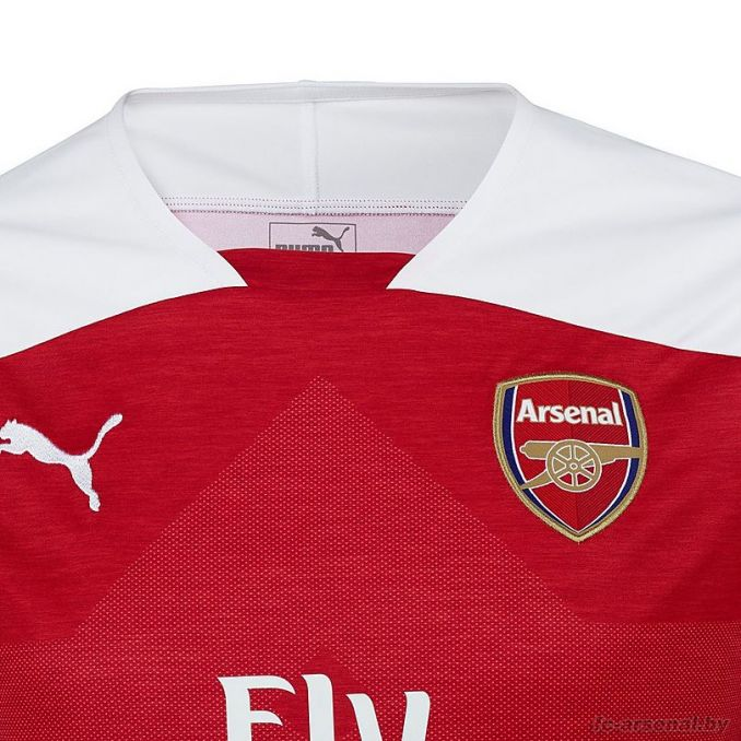 Арсенал представил новую домашнюю форму на сезон 2018/19