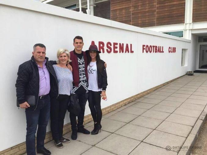 В интернете появились фото Джаки в новой форме «Арсенала»